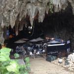 沖縄の海に飽きた方は、洞窟にある「ケイブカフェ(ガンガラーの谷)」へ!