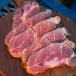 贅沢に牛肉でスモークベーコン作り!仕込み・燻製方法を解説します