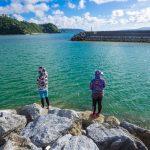 【沖縄初心者釣り】大宜味村、塩屋漁港付近で友人がモンスターを釣りあげる